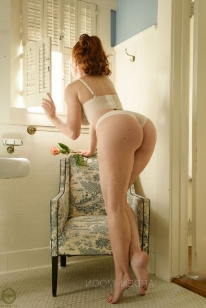 Saly erotic massage, escort
