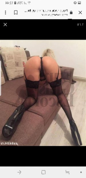 Menelle escort girl and tantra massage