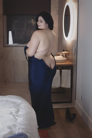 Jahyah erotic massage in Hood River & escort girl